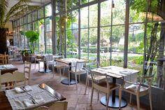 Top 10 best outdoor restaurants 2014 in Milan Italy - Al Fresco Winter Garden Restaurant, Outdoor Restaurant, Restaurant Plan, Outdoor Dining, Outdoor Tables, Outdoor Decor, Pub Decor, Private Club, Dark Interiors