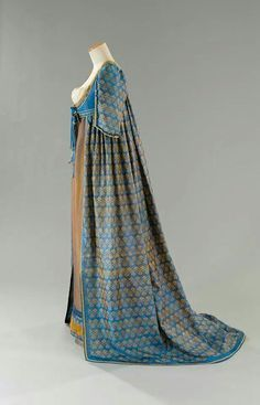 "This one is seen in a great many places as 'Regency gown with open robe of warp printed silk. Late or early In actuality, it's a costume from the film ""Immortal Beloved Vintage Outfits, Vintage Gowns, Antique Clothing, Historical Clothing, Historical Dress, 1800s Fashion, Vintage Fashion, Regency Dress, Regency Era"