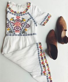 Boho embroidered dress, floral embroidery dress, white embroidery, easter o Looks Style, Looks Cool, Style Me, Hippy Style, White Embroidery, Embroidery Dress, White Embroidered Dress, Jw Mode, Pretty Outfits