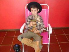 Para Relembrar:  http://www.trespassosnews.com.br/noticias/item/11509-cavalgada-vai-homenagear-menino-bernardo-em-outubro