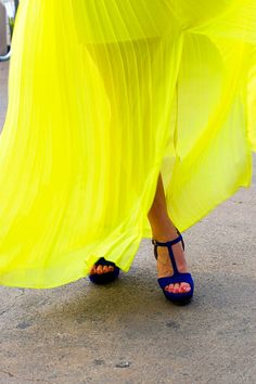 yellow pleated maxi with blue shoes Mellow Yellow, Neon Yellow, Cobalt Blue, Black Neon, Navy Blue, Blue Heels, Blue Stilettos, Blue Sandals, Black Shoes