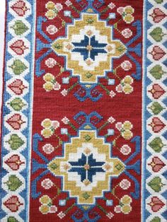Claudia Medinaceli Bordados Agujas que pintan. Diy Projects To Try, Decoration, Cross Stitching, Rugs On Carpet, Lana, Bohemian Rug, Cushions, Embroidery, Cheesecake