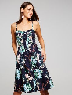 For up-to-the-minute looks that are fast, fresh and ever evolving. Poplin Dress, Fashion Dresses, Clothes For Women, My Style, Casual, Button, Spring, Tops, Fashion Show Dresses