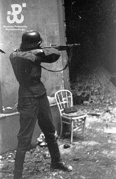 Warsaw Uprising, Warring States Period, Ww2 History, War Photography, Korean War, Axis Powers, German Army, Luftwaffe, War Machine