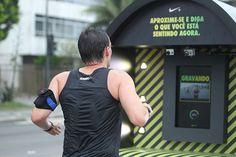 Peça: Confessionário Móvel  Projeto: Rio Corre 10Km  Cliente: Nike  Ano: 2012