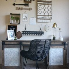 DIY Sliding Barn Door Desk - Shanty 2 Chic Start building amazing sheds the easier way with a collection of shed plans! Retro Furniture, Home Office Furniture, Furniture Projects, Furniture Plans, Diy Furniture, Diy Projects, Furniture Design, Building Furniture, Furniture Logo
