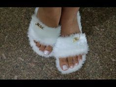 Sewing Slippers, Cute Slippers, Crochet Shoes, Crochet Slippers, Denim Slides, Shoe Makeover, Bedroom Slippers, Beaded Sandals, Accessories