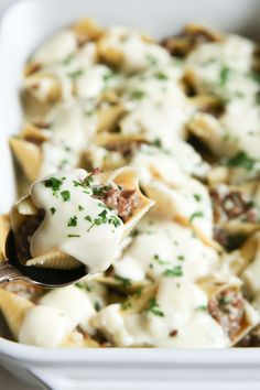 A dinner win for the whole family. Everyone loves stuffed shells! Best Pasta Recipes, Easy Meat Recipes, Dinner Recipes, Cooking Recipes, Dinner Ideas, Top Recipes, Rice Recipes, Fall Recipes, Summer Recipes