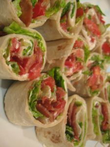 My husband and I are American Idol fans and this week he asked me to make snacks to eat during the show. Since, I normally don't eat too much after dinner this really mean snacks for him! Beach Snacks, Beach Meals, Appetizer Recipes, Appetizers, Snack Recipes, Blt Roll Ups, Comida Baby Shower, Nutrition Articles, Wrap Sandwiches