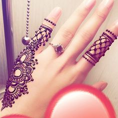 Here are the best Cute, Stylish, Simple and Easy Mehndi Design Images. Finger Henna Designs, Mehndi Designs For Fingers, Stylish Mehndi Designs, Mehndi Design Pictures, Best Mehndi Designs, Beautiful Mehndi Design, Simple Mehndi Designs, Henna Tattoo Designs, Hena Designs