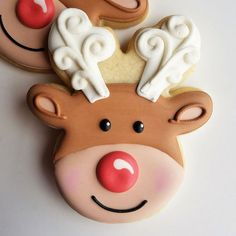 Flour Box Bakery's Reindeer Head Cookie Cutter - Christmas Cooking Home Economics By Tom Reindeer Cookies, Reindeer Head, Christmas Sugar Cookies, Christmas Desserts, Christmas Baking, Owl Cookies, Cookie Icing, Royal Icing Cookies, Cookie Cutters