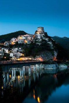 Castel Di Tora di Salvatore Colapietro #rieti #turano