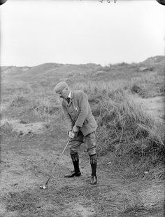 April Impeccably clad P. Gallwey playing golf at Tramore. Don't know whether he's in the rough, or whether Tramore Golf Club just wasn't as manicured as we're used to nowadays. Golf Images, Golf Pictures, Golf Attire, Golf Outfit, Winston Churchill, Hickory Golf, Best Golf Clubs, Vintage Golf, Golf Club Sets