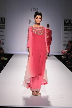 Nikasha Wills Lifestyle India Fashion Week 2014 pink red suit with wide leg pants Indian Bridal Wear, Indian Wear, Indian Style, Indian Dresses, Indian Outfits, Indian Clothes, Ethnic Fashion, Indian Fashion, Kurti Styles
