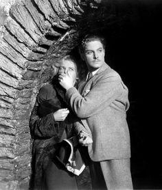 Madeleine Carroll & Robert Donat in Hitchcock's The 39 Steps (Alfred Hitchcock, 1935)