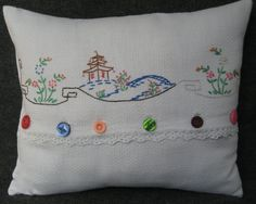 vintage linen pillow cover from embroidered linens - Kissen Embroidery Designs, Embroidery Transfers, Vintage Embroidery, Embroidery Stitches, Embroidery Tattoo, Mexican Embroidery, Machine Embroidery, Vintage Handkerchiefs, Vintage Tablecloths