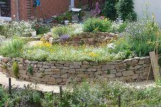 Die 7 Besten Bilder Von Hochbeet Aus Stein Garden Beds Backyard