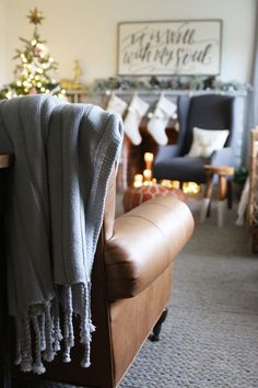 Leather sofa, cozy cable knit rug