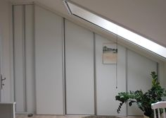 šatníková skriňa_closet with sliding doors