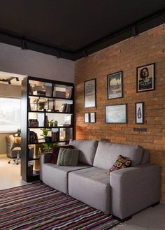 Apartamento de 45 m² reflete o estilo urbano do jovem morador (Foto: ©Marcelo Donadussi) Brick Interior, Apartment Interior Design, Decor Interior Design, Home Living Room, Living Room Designs, Appartement Design, Cool Apartments, Sweet Home, New Homes