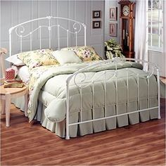 Hillsdale Furniture 325BQR Maddie Bed Set with Rails Queen Glossy White *** Want additional info? Click on the image.
