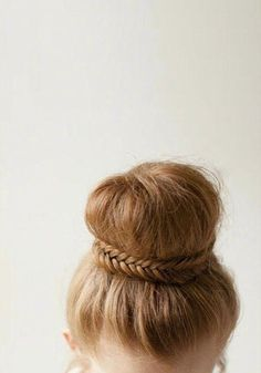 how-to-do-hair-in-a-classic-french-twist - Fab New Hairstyle 2 French Twists, French Twist Hair, Long Hair Cuts, Long Hair Styles, Simple Elegant Hairstyles, Donut Bun, Hair Tonic, Bun Hairstyles, Haircuts