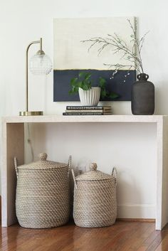 Create your own Concrete Console Table with boards and faux wallpaper. These tables cost over $1000 in the store. This DIY table is beautiful and cost me less than $10. Table Console Ikea, Modern Console Tables, Table Beton, Concrete Table, Diy Furniture Building, Diy Furniture Projects, Wood Projects, Painted Furniture, Furniture Design