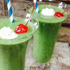 """""""Kale Me Maybe"""" Smoothie (no, you don't need my number to get through, for one!) PS: My apologies to folks who haven't heard of Carly Ray Jepson."""