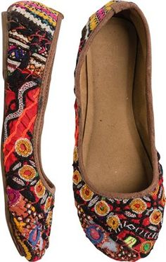 SHIMLA EMBROIDERED FLAT American Gypsy, What Should I Wear Today, Pretty Shoes, Shimla, Me Too Shoes, Fashion Shoes, Footwear, Shoe Bag, My Style