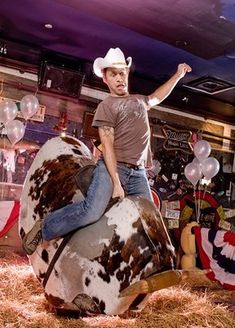 Ride mechanical bull