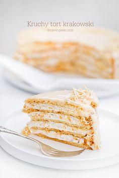 Kruchy tort krakowski