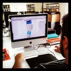 """Orlando trabajando"" #neulab #neutroni | www.neutroni.com"