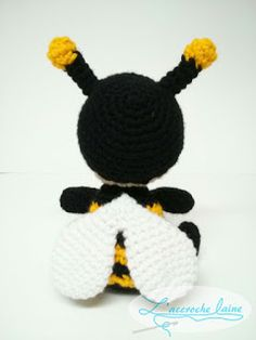 L'accroche laine - Abeille Yarn Animals, Amigurumi Patterns, Crochet Dolls, Couture, Toys, Bee Party, Knitting And Crocheting, Baby Dolls, Crochet Baby Mobiles