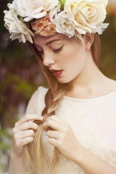 Photography model portrait 69 Ideas for 2019 Poses, Kreative Portraits, Hair Inspiration, Wedding Inspiration, Wedding Ideas, Floral Headpiece, Belle Photo, Her Hair, Braided Hairstyles