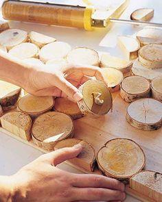 Regardez tout ce qu'il est possible de faire à l'aide de troncs et de rondins de bois! De quoi apporter un peu d'originalité dans votre appartement/maison! Regardez: ...