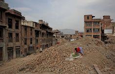 Un an après les séismes, le Népal est toujours un pays en ruines