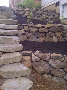 Awesome Rock Garden Retaining Wall Ideas For Backyard and Side Yard - My Dream House Boulder Retaining Wall, Backyard Retaining Walls, Retaining Wall With Steps, Sloped Yard, Sloped Backyard, Landscaping A Slope, Landscaping With Rocks, Landscaping Ideas, Outdoor Steps
