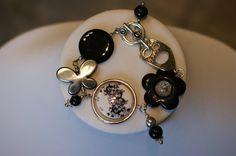 Black black jewelry Black bracelet by LesBijouxLibellule on Etsy Black Bracelets, Bangle Bracelets, Bangles, Summer Necklace, Black Necklace, Gifts For Women, Gifts For Her, Cardboard Jewelry Boxes, Black Jewelry