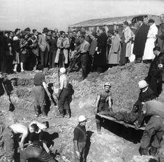 """#1944, la répression allemande s'intensifie dans la région de #Lyon : arrestations, interrogatoires. La Gestapo en ballotage multiplie le rythme des appels, c'est-à-dire des interrogatoires, """"avec"""" ou """"sans bagages"""" (cette dernière expression signifiant qu'ils seront assassinés). Les fusillades s'intensifient comme à #Bron du 17 au 21 août où des charniers ont été retrouvés. Ces exécutions collectives sont à la fois des représailles et un moyen de terroriser la population #numelyo #WW2 #2GM"""