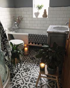 Grey Bathrooms, Master Bathroom, Hygge Home, Diy Apartment Decor, Clawfoot Bathtub, Monochrome, Sweet Home, House Design, Challenge