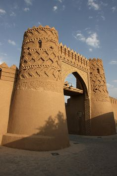 Western gate (Kasnava) - Meybod - Iran | دروازه غربی (کثنوا) - میبد - یزد by Pedram Veisi, via Flickr