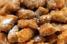 Ricetta per fare gli gnocchi di zucca (senza patate), conditi con burro, salvia e limone o panna, fontina e tartufo.