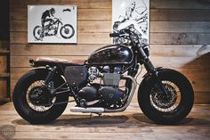 The BAAK Motocyclettes website truly is something to behold, not only does it feature a very nice range of parts and accessories for both the Motto Guzzis V7 and Triumph Twin, it also does a beautiful job of displaying these products on motorcycles the BAAK teams have put together.