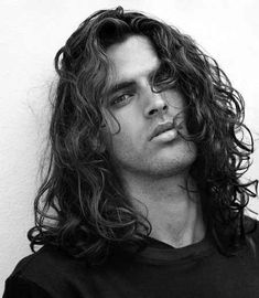 Cool new Haircuts for Men with thin hair, with curly hair, with thick hair and with round faces. All the different Haircuts for Men this 2019 and beyond. Trendy Haircut, Best Long Haircuts, Haircuts For Men, Wavy Haircuts, Wavy Hairstyles, Haircut Styles, Latest Hairstyles, Hairstyles Haircuts, Long Hair Cuts