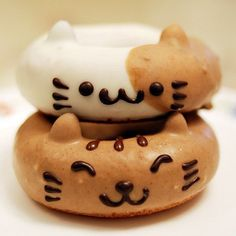 Little Animal Donuts Cute Desserts, Delicious Desserts, Yummy Food, Bento Recipes, Donut Recipes, Cupcakes, Desserts Japonais, Yummy Treats, Sweet Treats