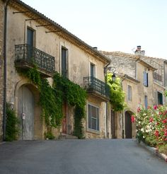 Sommières, South of France by @soisbelleetparle