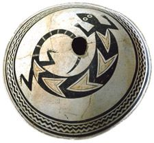 Photo of Mimbres ceramic bowl - lizard