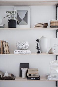 Home Interior Loft Love these shelves!Home Interior Loft Love these shelves! Home Interior, Living Room Interior, Interior Styling, Interior Decorating, Scandinavian Interior, Decorating Ideas, Scandinavian Style, Interior Ideas, Bedroom Designs