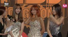 Sistar datang dengan style pakaian ala Sistar, seksi dan elegan. #MAMA2013 #2013MAMA