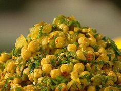 סלט חומוס משביע וטעים עם עשבי תיבול, לימון ותבלינים. מתכון של אהרוני